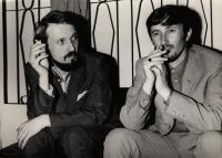 1969, Plzeň, pamětník (vlevo) s Jurajem Jakubiskem na filmovém festivalu Finále