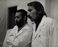 cca 1976, Trnava, pamětník (vpravo) s Ivanem Balaďou při natáčení dokumentárního filmu
