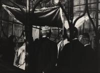 1972, Staronová synagoga, pamětník (třetí zprava) na svatbě s Blankou