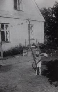 Son at the farm in Úvalno
