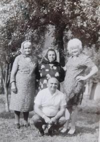 On right Marie Čubokové visiting her homeland in 1973