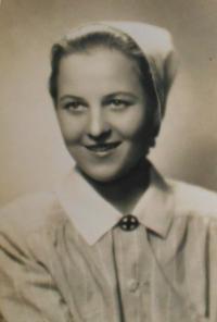 Cecílie studied nursing school after the war