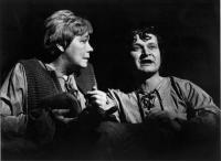 Malé divadlo Ústí nad Labem. Rudolf Felzmann s Evou Čejchanovou (Aase) v titulní roli. H.Ibsen: Peer Gynt (premiéra 1978)