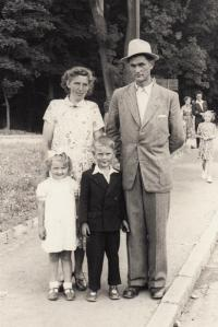 With her parents and brother Karel in Klatovy, 1953