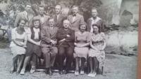 Batěk a jeho kolegové z učitelského sboru