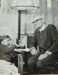 Hanička Ryšková (Holcnerová) with her grandfather Josef Sušil