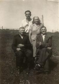 Above the couple Josef and Ludmila Uhlirs with his father eyewitnesses Anthony Stark Musil Hliňák
