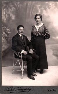 Parents Josef and Růžena Časlavkovi, photographic studio Luže at Vysoké Mýto, about 1920