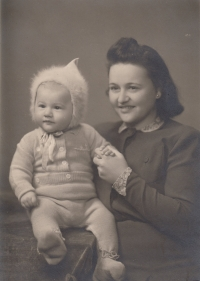 With his mother Františka, fall of 1942