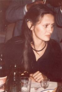 Róza Hodosán, 1984, Darvas