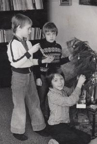 David Kabzan with his siblings, 1972