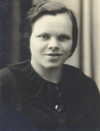 Emílie Baumanová, mother