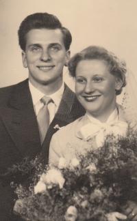 Hana krusinova wedding 1956