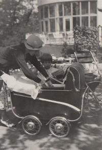 Hana 1934 baby