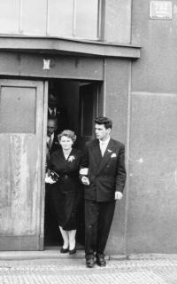 Jiří Beránek s maninkou, svatba, 1963