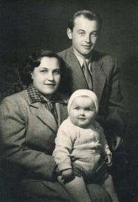 Hryzlík Jiří with daughter and wife, nearly 50th