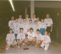 photo with a team of swimmers