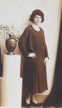 Mother Emilie Fischerová (Grünbaumová) before the war in Přerov