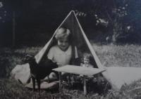 Zorica Dubovská, 1936