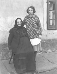 Mother of the witness with her granny Marie Vovsová, Loucká, 1934