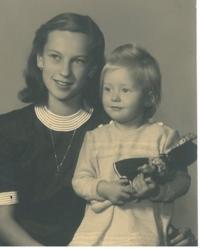 Hana with her sister, Prague, 1947