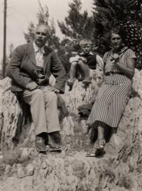 Ludvík Armbruster with his aunt (his father's sister) and uncle, Makarska (Croatia), 1935