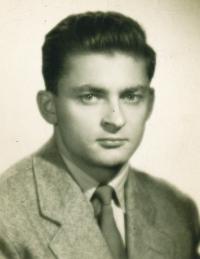 1958 Jiří Ach, manžel