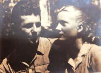 Novomanželé, kteří se Evy ujali po návratu z koncentráku v roce 1945