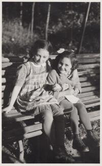 Růžena and her cousin Judka