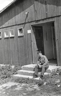 Marek Franěk na vojenské brigádě, Zbytiny u Prachatic, 1981