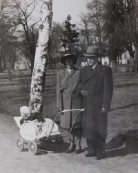 Alois and Věra Ruprecht with their son Jiří