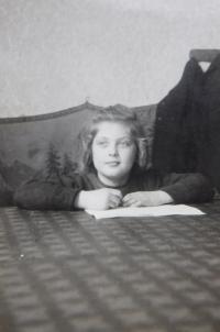 Věra Chudobová (Ruprechtová) as a young girl