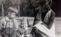 Mother Věra Ruprechtová children Věra and Jiří