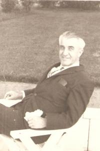 Prof. Krajina, father of the witness, Vancouver about 1970