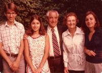 The Krajinas with daughter Milena and grandchildren, Vancouver 1976