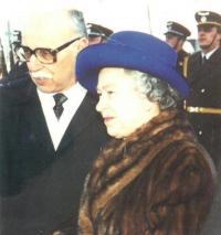 Návštěva britské královny v roce 1996, Jan Drábek ji doprovází jako šéf protokolu