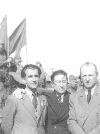 At the Kbely airport, 10th May 1945. From left: Krajina, Drtina, Drábek)