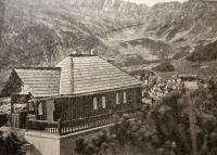 Votrubova chata, Vysoké Tatry, Slovensko, asi 1930. Zde se Jaroslav Drábek seznámil s Vladimírem Krajinou