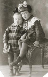 Juřinová Irina, Age of two, 1932