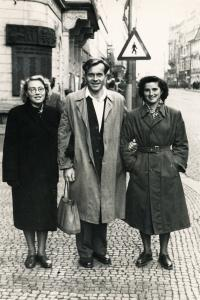Juřinová Irina, 16.11.1954, first time in Prague