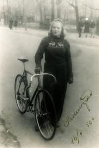 Juřinová Irina, 1950, in St. Petersburg