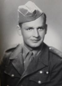 Pavel Bednár na vojně v roce 1949