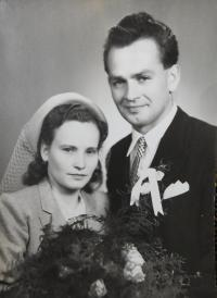 Wedding photography of Pavel Bednar and Vera Komínková in 1950