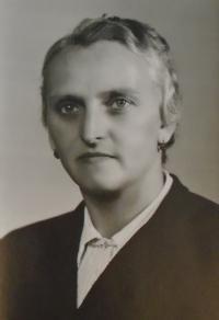 02 - mother Marie Reindlova born 1900