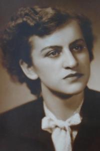 04 - Marie Condlova born Reindlova - 1948
