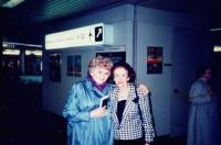 Zdenka Kmuníčková on the left with prof. Eva Grofová