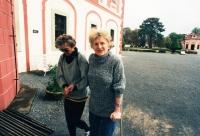 Zdenka Kmuníčková on the right with her coworker Jana Kalíšková