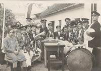 1920 - music band of his father