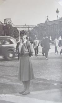 Irena Vyslyšelová (Paris 1957)