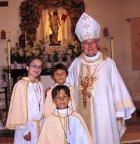 2011 - Easter in California, bishop Petr Esterka with the children of compatriots